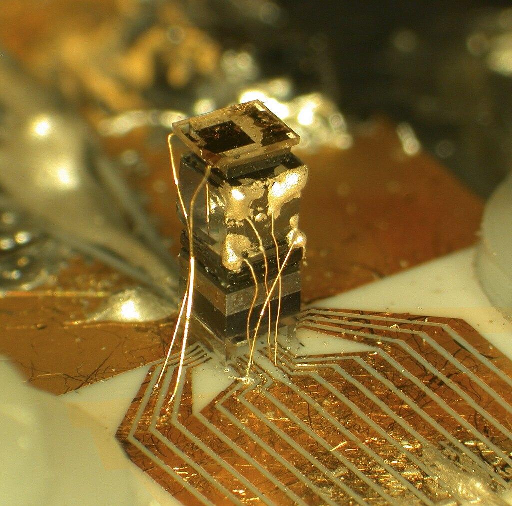Zanimljivosti iz nauke 1024px-ChipScaleClock2_HR