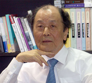 Jo Jung-rae South Korean writer