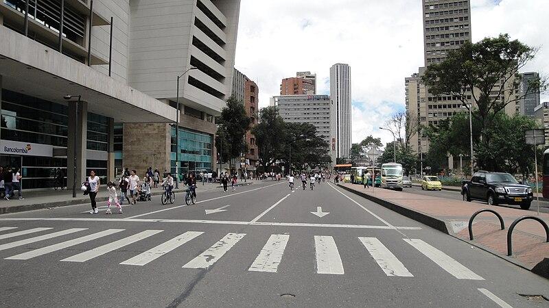 File:Ciclovia en Bogota, Colombia.jpg