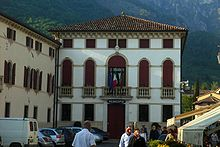 Il municipio.
