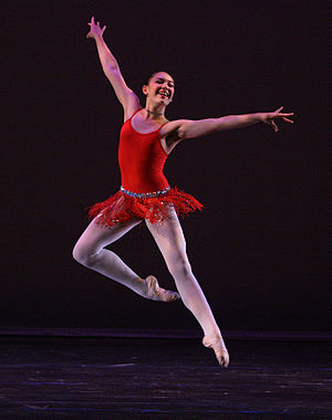 Contemporary ballet - A contemporary ballet leap