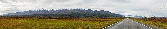 Cordillera de Alaska desde Tok, Alaska, Estados Unidos, 2017-08-29, DD 01-08 PAN.jpg