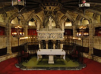 English: Crypt of Santa Eulalia in Cathedral o...