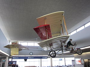 Curtiss Model D - Image: Curtiss 1910 Pusher replica at Minneapolis St. Paul International Airport 001