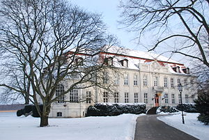 Hans Joachim von Zieten - Zieten had the family house demolished, and built a new manor house of Wustrau: Schloss Wustrau.
