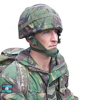 Combat helmet helmet for military use, especially that intended for the battlefield