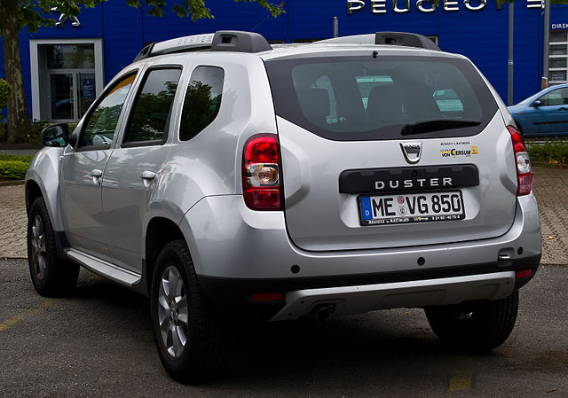 file dacia duster tce 125 4x2 prestige facelift heckansicht 13 juli 2014. Black Bedroom Furniture Sets. Home Design Ideas