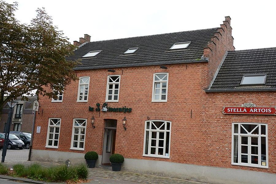 De 3 Swaentjes, Steenweg Wijchmaal 3, Peer