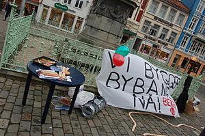 Bergen Light Rail - Demonstration by Natur og Ungdom in favor of light rail