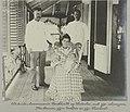 Districts-Commissaris Boekhoudt op Waterloo, met zijn schoonzoon, Mr. Brown, zijne dochter en zijn kleinkind (titel op object), NG-1994-65-4-10-2.jpg