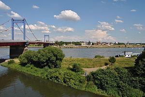 Homberg (Duisburg) - Image: Duisburg, Friedrich Ebert Brücke, 2012 07 CN 02