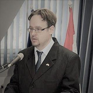 Dusán Mukics journalist