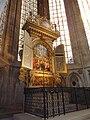 ES St. Dionys Altar.jpg