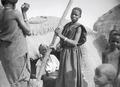ETH-BIB-Gruppe Tuareg vor Zelt-Tschadseeflug 1930-31-LBS MH02-08-0563.tif