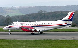 Jetstream 41 van Eastern Airways op de landingsbaan van Bristol Airport