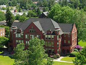 Willamette University - Eaton Hall built in 1909