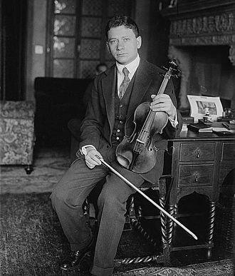 Efrem Zimbalist - Zimbalist with his violin, circa 1915–1920