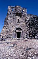 Ein Eckturm der Burg 1988.jpg