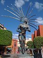 El Danzante, escultura de Juan Velasco ubicada en el Centro Histórico de Querétaro.jpg