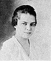 Elizabeth Nesbitt 1919 (cropped).jpg