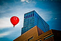 Empire Riverside Hotel and Hot Air Balloon in Hamburg.jpg