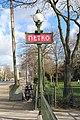Entrée Métro Porte Dauphine Paris 3.jpg