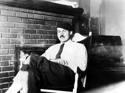 Ernest Hemingway, Paris, 1924.jpg