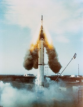 Escape rocket of Mercury-Redstone 1.jpg