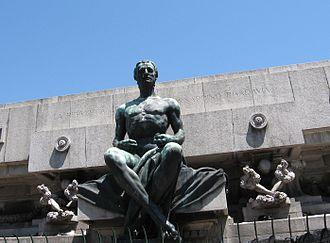 Rogelio Yrurtia - Image: Estatua Rivadavia Plaza Miserere