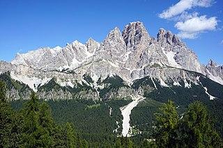 Cristallo (mountain) Mountain range in the Dolomites