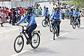Femmes de la police à vélo.jpg