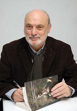 """Fernando Ampuero y """"El peruano imperfecto"""" en la Cátedra Bolaño"""" en el 2011"""