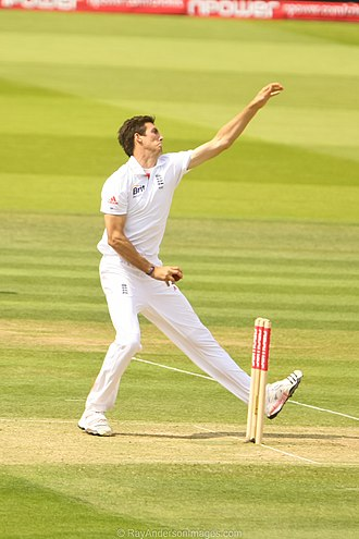 Steven Finn (cricketer) - Finn bowling against Sri Lanka in June 2011