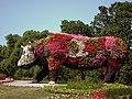 Floral cow - panoramio.jpg