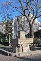 Frankfurt-Eschersheim - Weißer Stein Brunnen.JPG