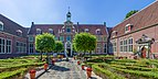 Frans Hals Museum garden in Haarlem.jpg