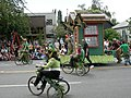 Fremont Solstice Parade 2007 garden shed 04.jpg