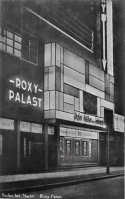 Friedenau Roxy-Palast 1929 Postkarte vom 25.Dezember 1929 Urheber unbekannt, Copyrighted free use, via Wikimedia Commons