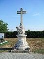 Friedhofskreuz 6039 in A-7123 Mönchhof.jpg