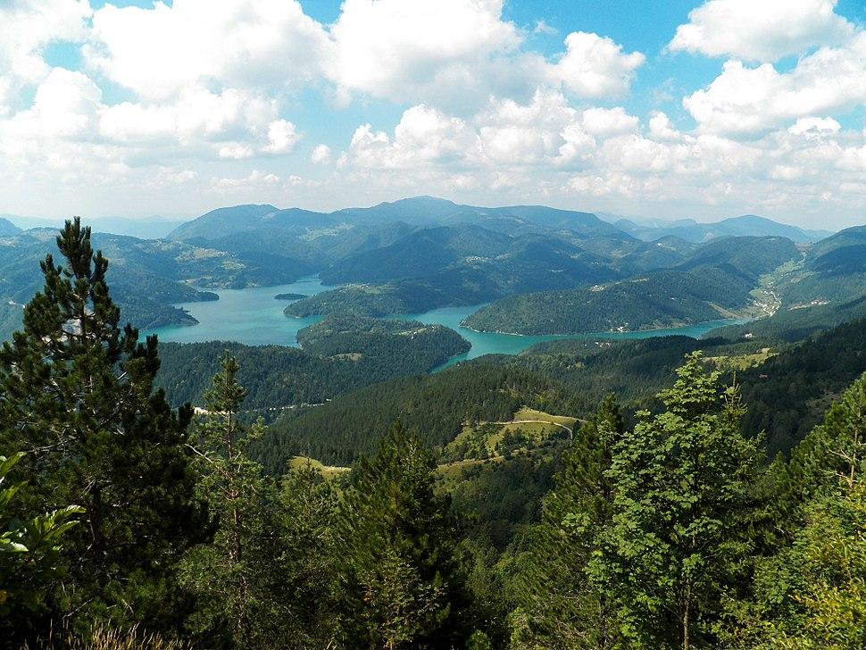Gavran pogled na Zaovinsko jezero