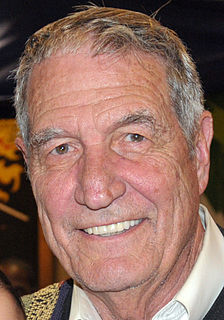 Gene Stallings American football player and coach, college athletics administrator
