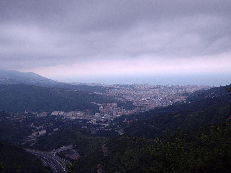 File:Genova dall'osteria delle Baracche.JPG