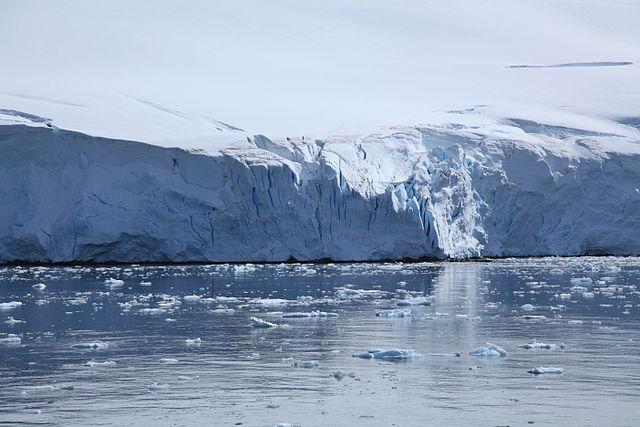 Kontinentálny ľadovec v Antarktíde