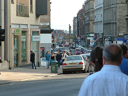How to get to Byres Road with public transport- About the place