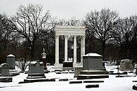 Graceland Cemetery.jpg