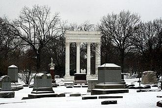 Graceland Cemetery - Image: Graceland Cemetery