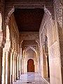 Granada alhambra lion1 (16218010662).jpg