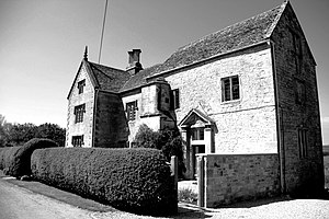 Stratford family - Great Farmcote Manor The feudal manor house of the Farmcote Estate, historically the seat of the Gloucestershire Stratfords