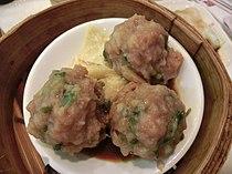 HK Pacific Plaza SYP 德韾苑 Tak Hing Yuen Seafood Restaurant beef meat balls Mar-2013 Bamboo steamer.JPG