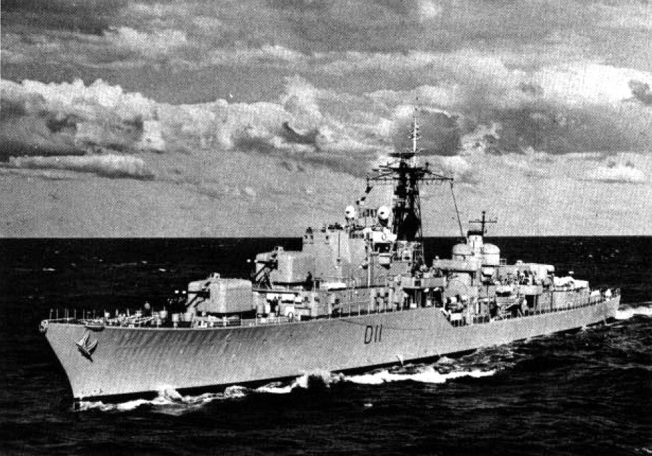 HMAS Vampire (D11) underway c1962